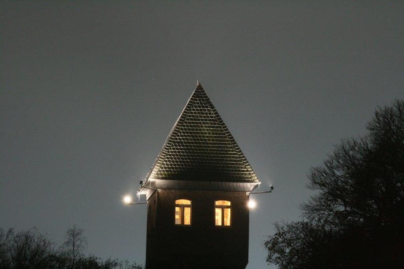 Beleuchteter Wasserturm